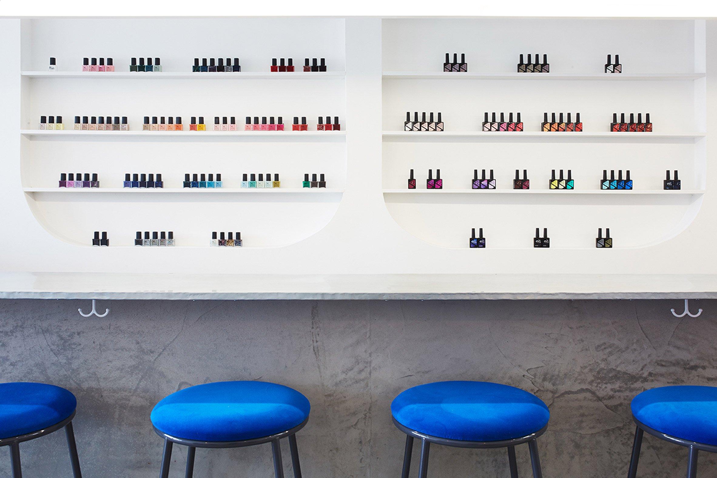 A Minimalist Nail Bar in LA with Cheery Mid-Century Bar Stools – Bar ...