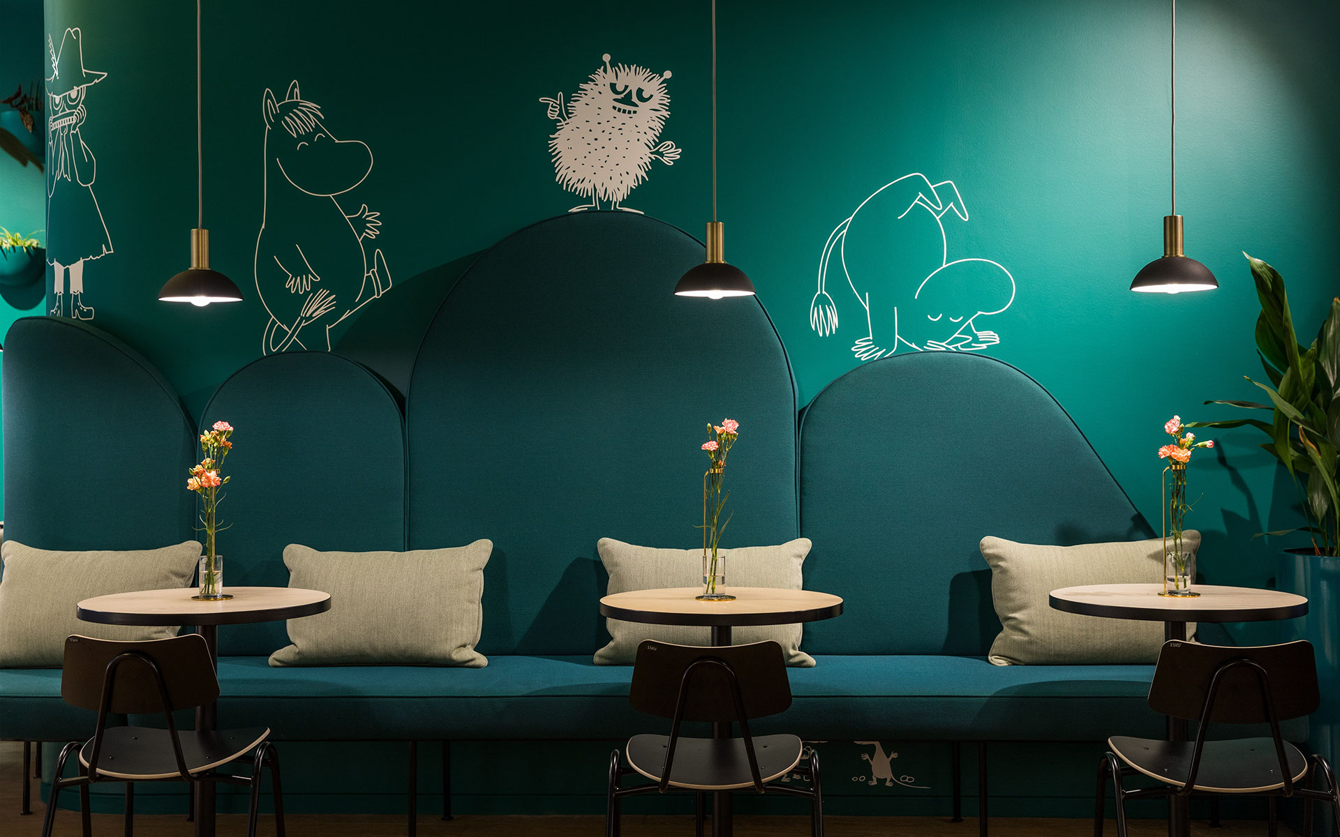 Mumin Kaffe: A Cheery Coffee Shop Design that Your Inner Kid Will ...