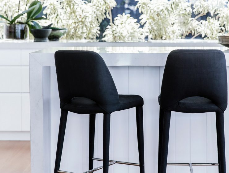 5 Velvet Bar Chairs That Won't Get Out of Your Head Until You Buy Them_feat