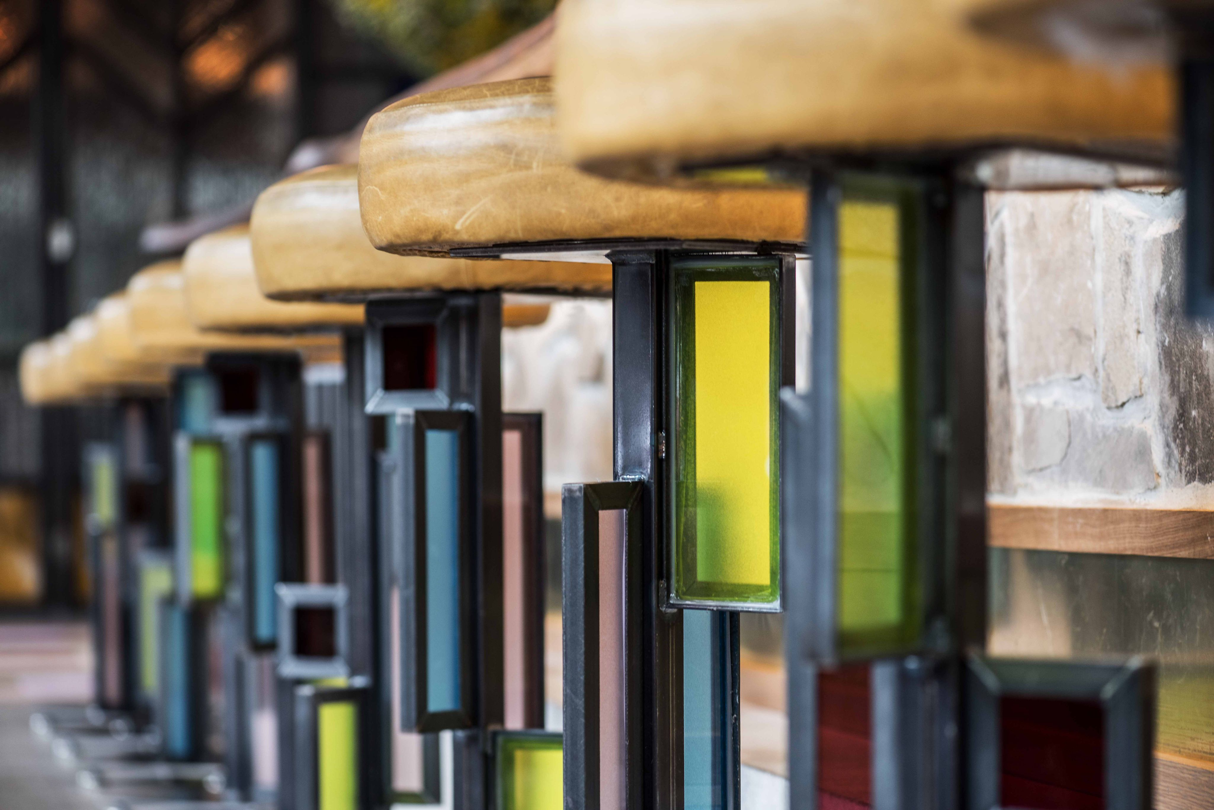 Frank Lloyd Wright Inspired a Bar Design in Chicago, and We Love It!_1
