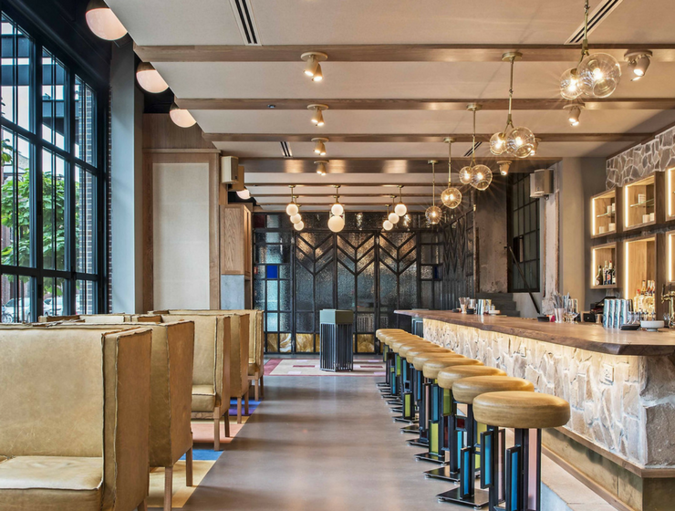 Frank Lloyd Wright Inspired a Bar Design in Chicago, and We Love It!_feat