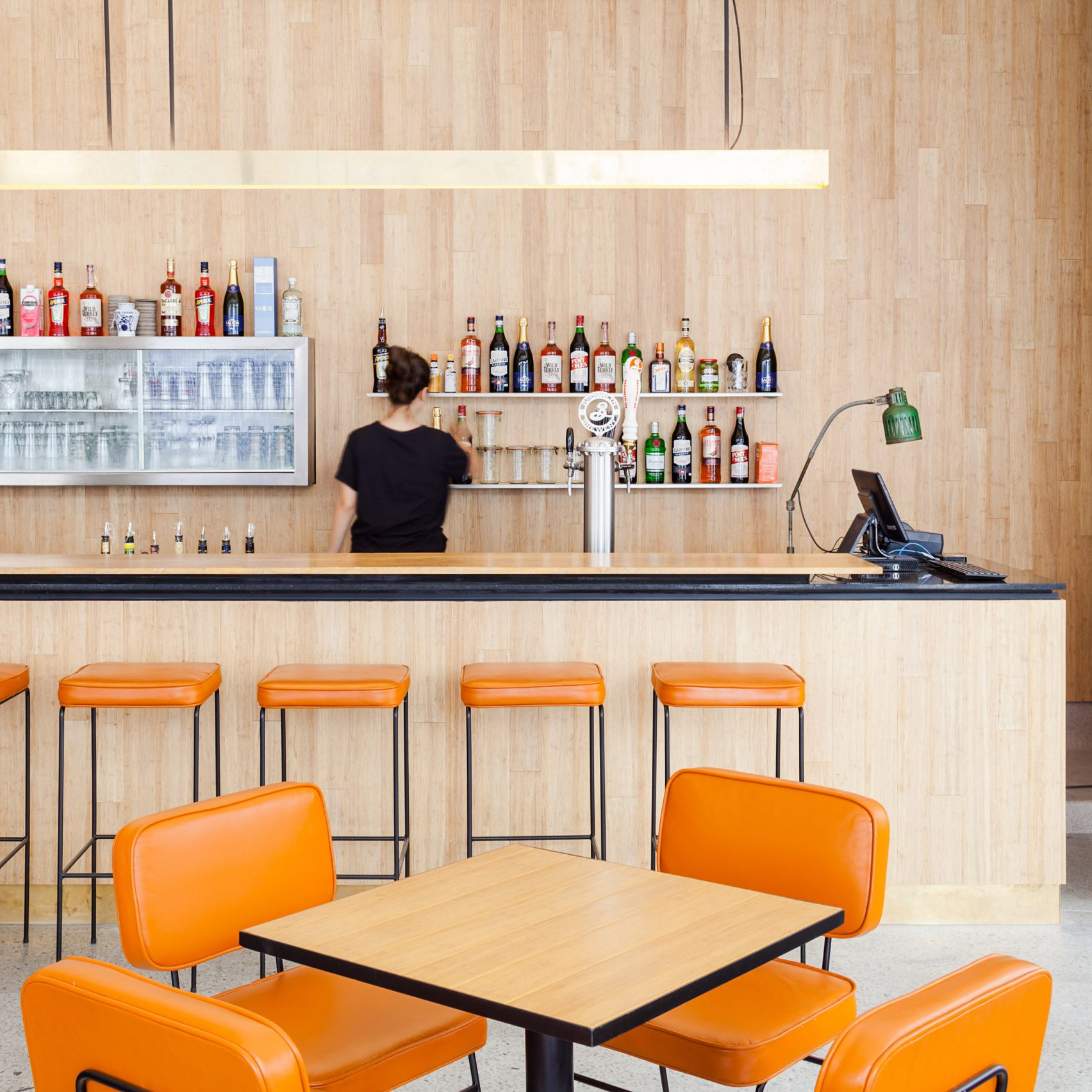 A 50s Diner Influenced this Mid-Century Deli in São Paulo_1