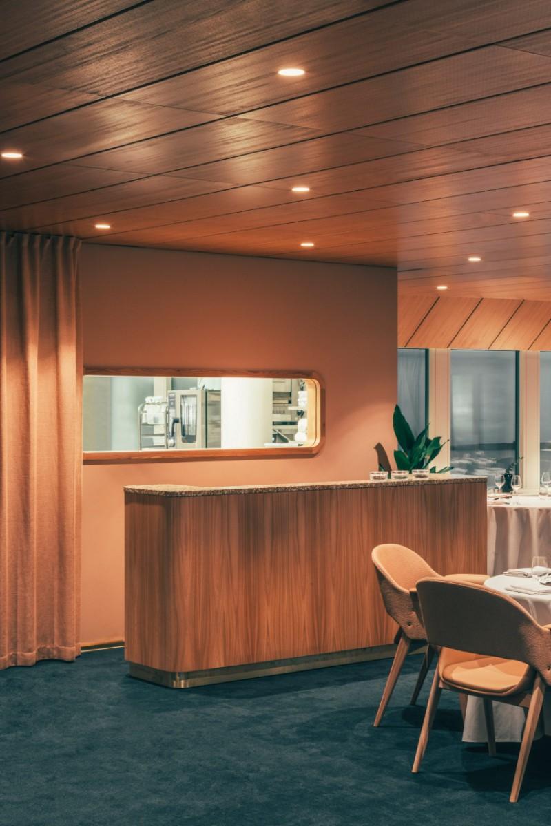 mid-century restaurant, mid-century architecture, mid-century design, vintage restaurant, restaurant interior, restaurant design ideas