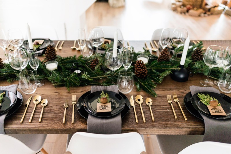 Get A Beautiful Christmas Tablescape With Our Tips!