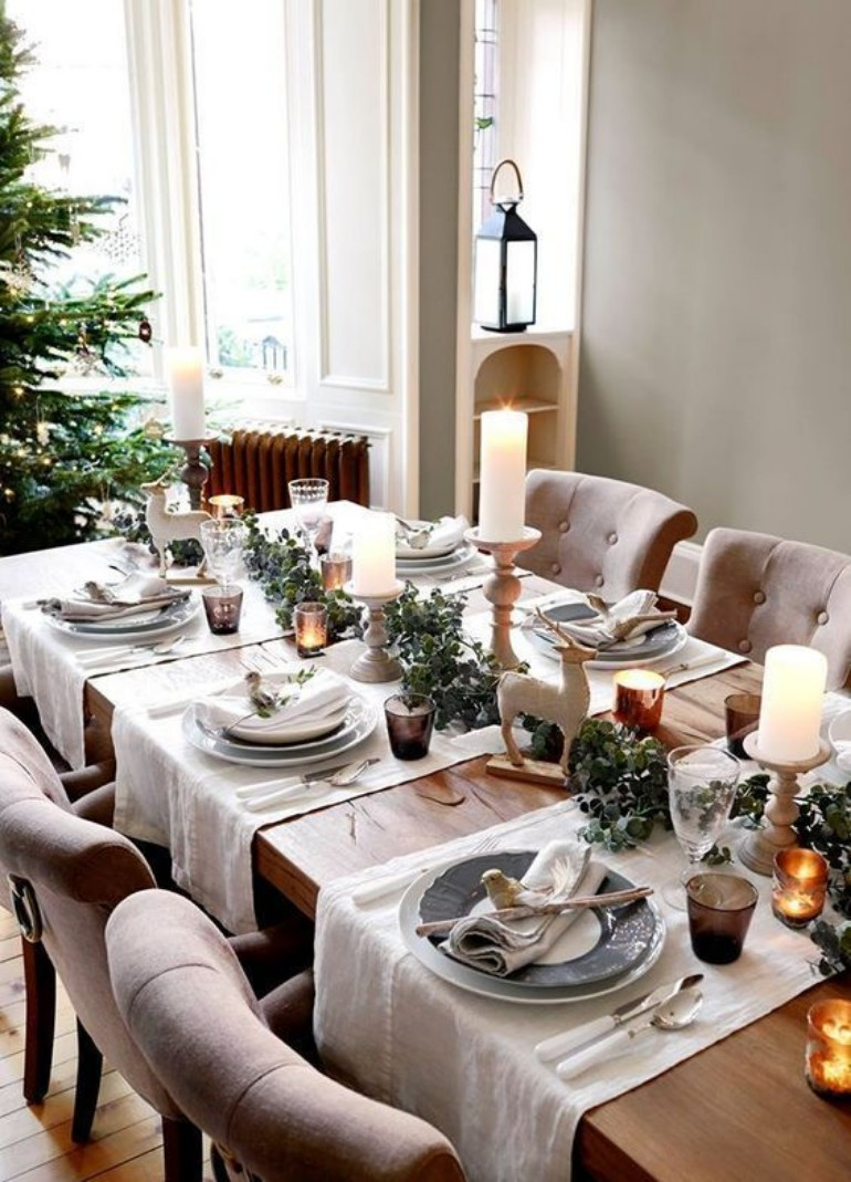 Get Ready For Christmas In Your Dining Room With The Magic Of A Simple But  Beautiful Decor. White, Green And Soft Brown Is Enough To Set A Mood For  The ...