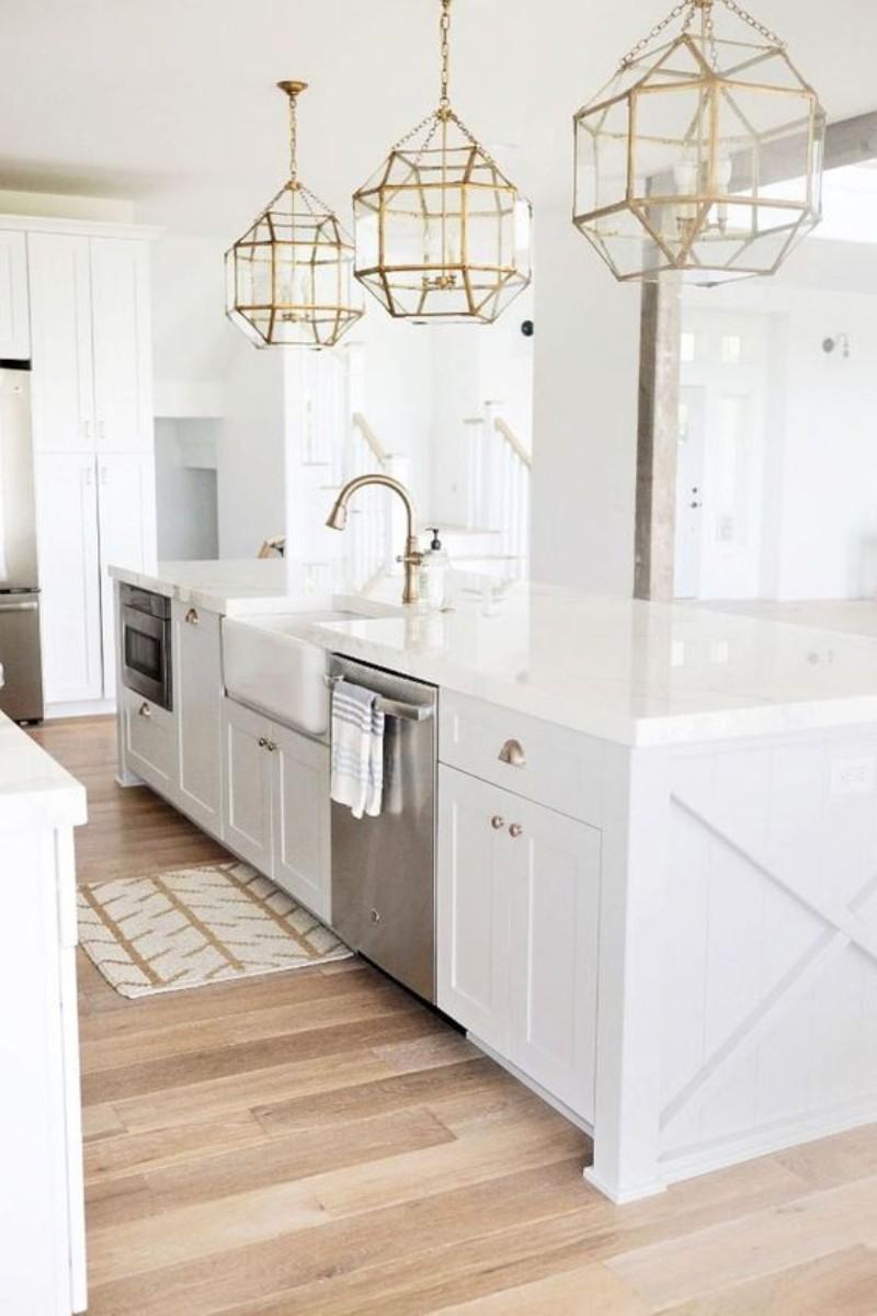 5 White Kitchen Designs That Prove Neutrals Aren't Boring_1