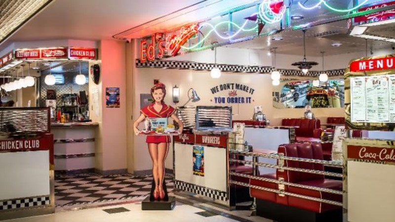 Vintage Restaurants Around The World You Should Check Out ; Ed's Easy Diner