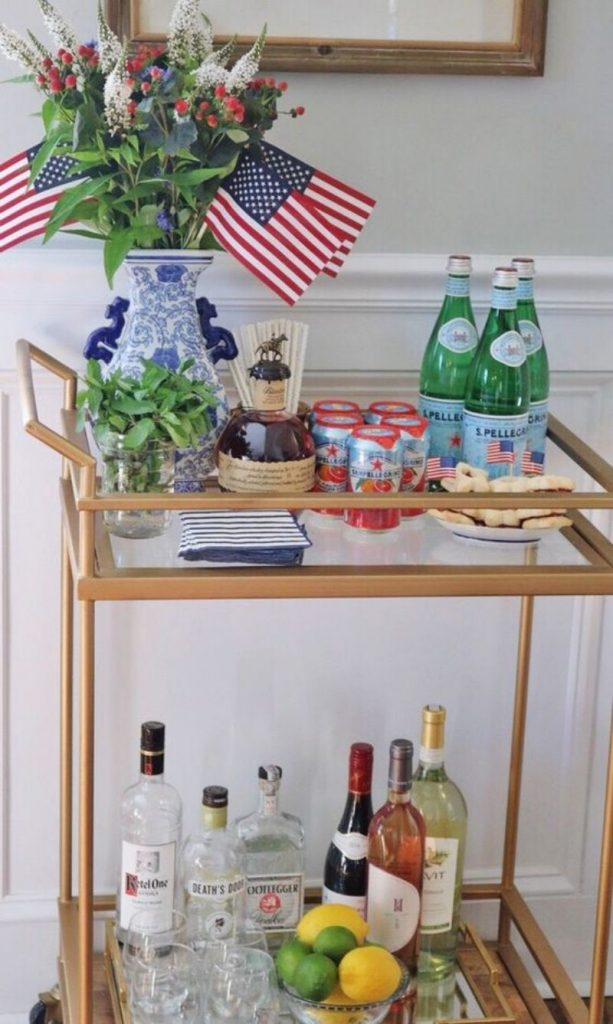Celebrate 4th Of July With These Patriotic Bar Decor Ideas_2 (1)