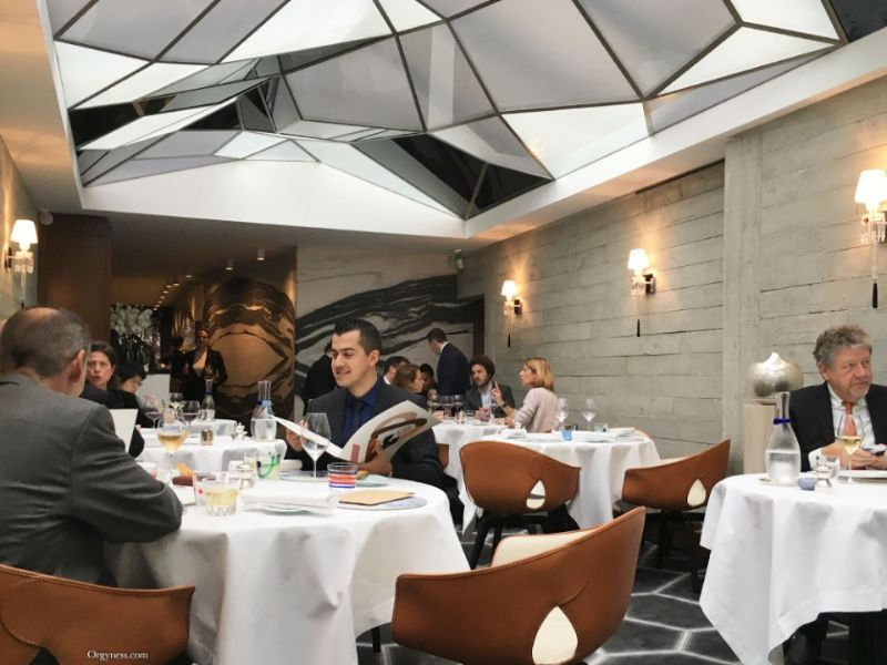 Paris City Guide: Unmissable Design Spots paris city guide Paris City Guide: Design Hotspots You Can't Miss le grand restaurant jean francois piege paris 1 960x600 1